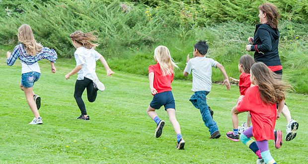 Biegnące dzieci